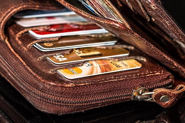 peněženka s kreditkami